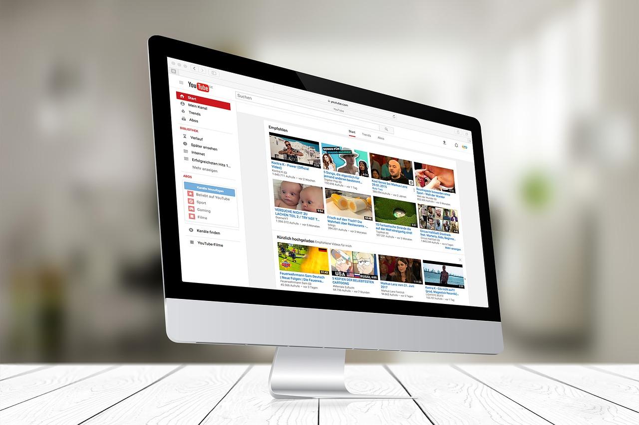 La censure de Youtube devient systématique et cette censure est même sous-traité à des entreprises qui font ce qu'elles veulent. Un vidéaste révèle quelques trucs plus inquiétants composés de réunions secrètes avec des gros Youtubeurs.
